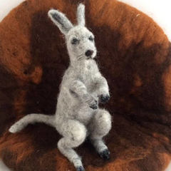 Needle felted animal, felted grey kangaroo, australian animal, OOAK, unique gift