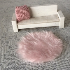 Miniture faux fur rug. Handmade dollhouse floor rug, dollhouse decor. Round mat
