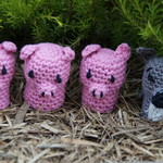 The 3 little pigs crochet characters