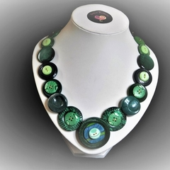 Green button necklace - Go Green!