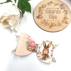 Spring Bunny Easter Clip