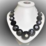 Button necklace - Black Pearl
