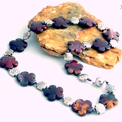 Natural Burgundy JASPER-carved Flower Feminine Necklace.