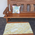 TABLE RUNNER & CUSHION 