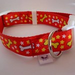 Medium size red dog bone pattern adjustable dog collar