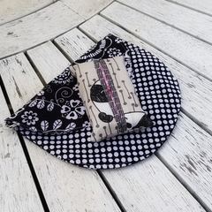 Black and white shoulder bag with panda print tissue holder