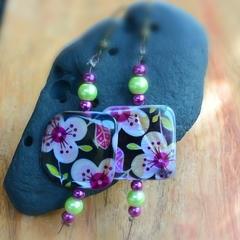 Passion fruit flower beaded dangling earrings (Square)