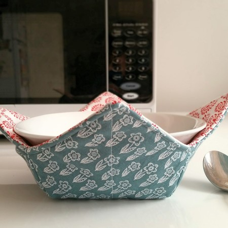 Hot Bowl Cozy | Hot Bowl Holder | Scandi Green and Red | Reversible