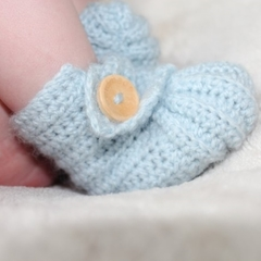 Crochet stay on newborn boots, booties, pregnancy announcement gift, light blue