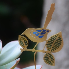 Fairy Wren & Large Leaves Garden Decoration