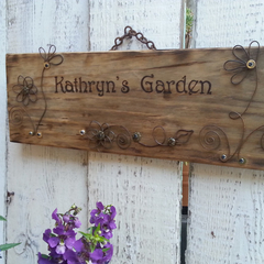 Kathryns, Mums, Personalised Garden Sign.  Vintage Style Rustic Look