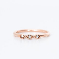 Vintage style wedding ring in 14k Gold