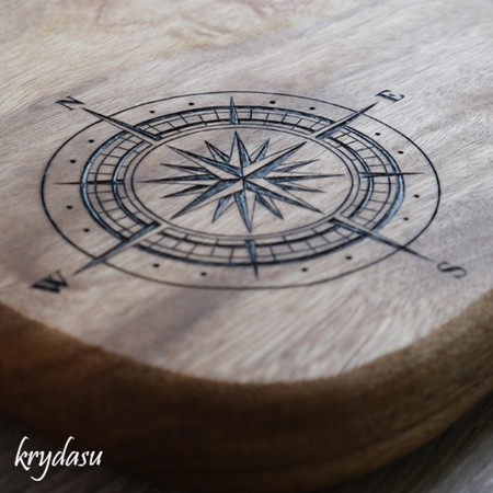 Wood Burnt Compass Camphor Laurel Cutting Board