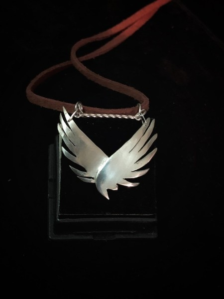 Silver wings pendant