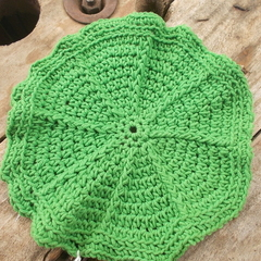 Round, cotton/acrylic washcloth in emerald green ON SALE!!!