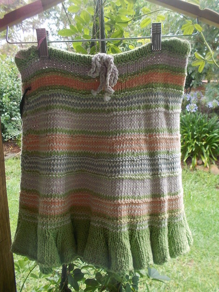 hand knit summery 100%cotton skirt with ruffled hem in pastels. Girl's sz10 -12