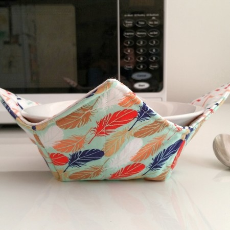 Hot Bowl Cozy | Hot Bowl Holder | Feathers | Reversible