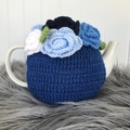 Handmade teacosy + teapot