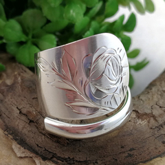 Sterling Silver SPOON RING with Etched Rose design. Upcycled Vintage Silverware.