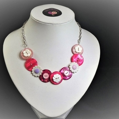 Girl's Pink Button necklace - White Flowers.
