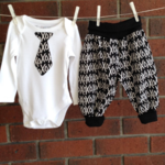 Baby boy gift, XO design outfit, CHOOSE SIZE AND BODYSUIT SLEEVE LENGTH