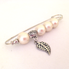 Hijab Pin, Pearl Pin, Bridal Pin, Gold Pin, Safety Pin Style Brooch, Charm Pin