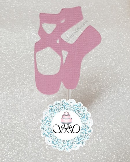 12 Ballet slippers cupcake toppers. Pink or custom colours.  Ready to ship