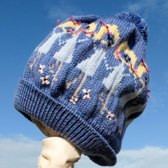 Sisters' friendship circle beanie.  Adult size