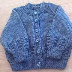 DARK GREY CARDIGAN TO FIT 6 - 12 MTHS IN 4SEASONS STALLION 8PLY ACRYLIC YARN.