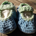 crochet baby shoes cotton/acrylic with vintage buttons. 10-11cm foot ON SALE!!!