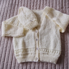 SIZE 3 yrs (+): Hand knitted cardigan with matching beanie : acrylic, girl