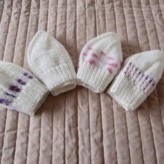 *Special * 4 beanies: (Newborn - 3 mths): Washable, girl