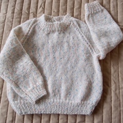 SIZE 0-6mths - Hand knitted jumper : washable, warm,