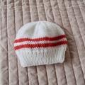 Size: 0-6 mths, hand knitted  beanie by CuddleCorner, unisex