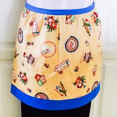 SALE - Half Apron Retro Vintage - lined apron - 1950's cupcakes print