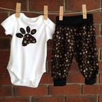 Gender neutral dog paws baby outfit, choose size and bodysuit sleeve length