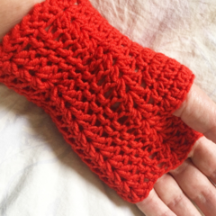 Fingerless gloves/ wrist warmers crochet in premium soft wool yarn.