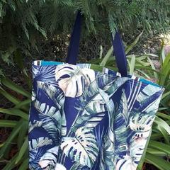 BANANA LEAF TOTE (Water-resistant lining)