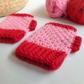 Kids crochet wrist warmers/fingerless gloves. Child/tween/teen. Size 8-12yrs.