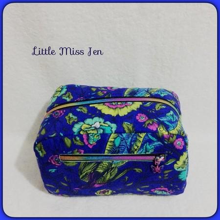 Ladies/Girls Toiletry Bag