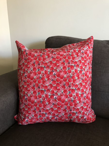 Red, grey & white spotted Cushion (inc insert)