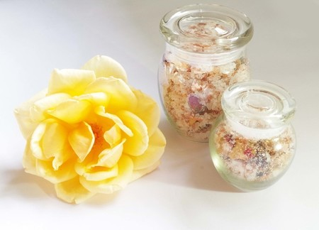 Rose and Amber Bath Salts (Large)