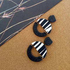 ANIMAL PRINT -ZEBRA STATEMENT DANGLES