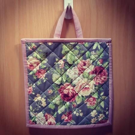 Rose / Floral pot holder  (dusty pink trim)