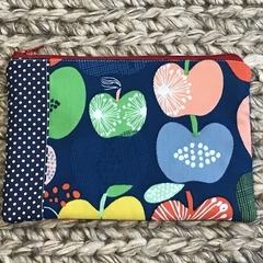 Apples purse