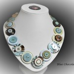 Button necklace -  Blue Chocolate
