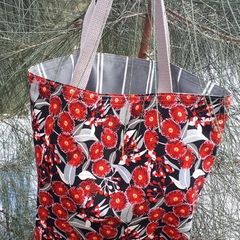 RED BLOSSOM TOTE (Water-resistant lining)