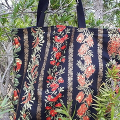 BOTTLEBRUSH TOTE (Water-resistant lining)