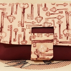 "Clutch purse ""unlock"""