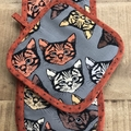 Cat Oven Mitt and Pot Holder Set